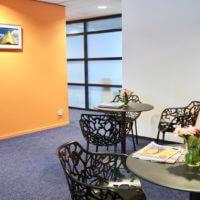 Wachtkamer vernieuwd en gehele praktijk van LED verlichting voorzien